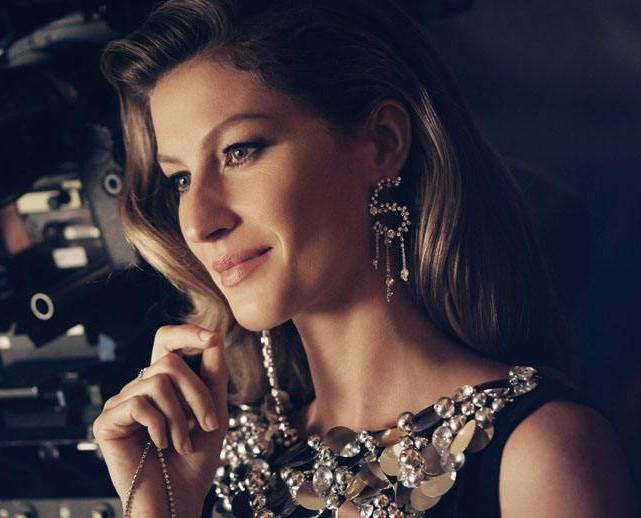 吉赛尔邦辰:她就是传说中的躺着就能赚钱的全球最贵超模,名副其实的时尚女魔头